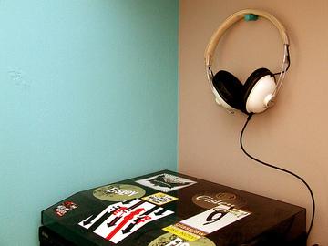 Headphones_flickr_hurricanlindsay