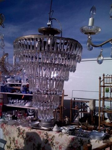 Flea_chandelier
