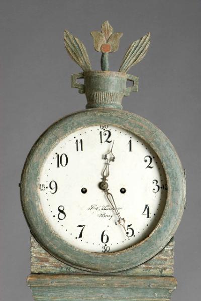 Mora_clock2